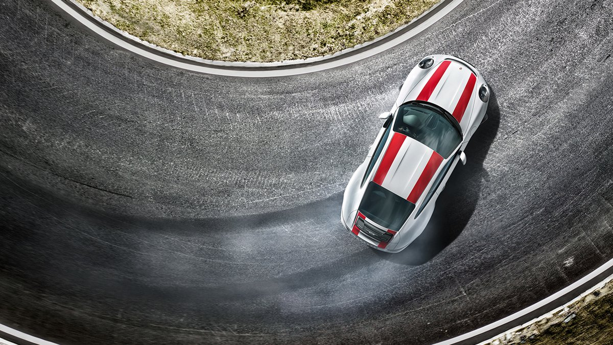 Porsche rijders belonen voor wat zij het liefst doen: rijden.